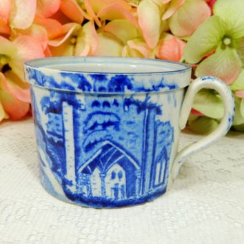 Chinese Export Porcelain Cup ~ Castles ~ Horses ~ Figures