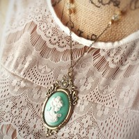 The Cleo Cameo Necklace