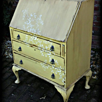 Distressed Antique Secretary Desk, shabby chic desk, country cottage desk, french country desk! Secretary desk, queen anne legs, yellow desk