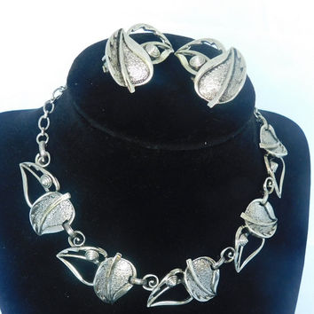Sarah Coventry WINDSONG 1959 NEW Vintage Designer Silvertone Black Leaves, Flower Bracelet Brooch Pin Clip Earrings Signed Set of 3! 402