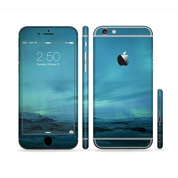 The Teal Northern Lights Sectioned Skin Series for the Apple iPhone 6s Plus