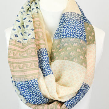 Patchwork infinity scarf, Peach