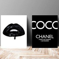 ONETOW Wall Art Poster Print - Vinyl Kiss Lips COCO CHANEL, Shoes, Book, Handbag Vogue - Famous Fashion Quote - Black Color- 679 610