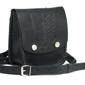 The emblem of recon corps ( survey corps ); Anime Attack on Titan; Leather Bag; Genuine Leather; Handmade; black color