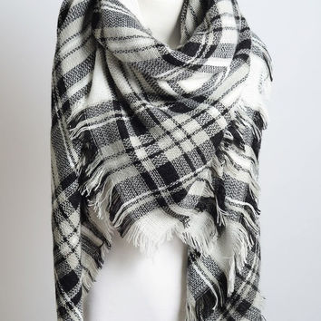 Heart Breaker Blanket Scarf - White & Black