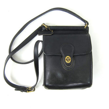 Shop Vintage Coach Leather Purse on Wanelo