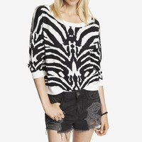 SHORT ZEBRA JACQUARD DROP SHOULDER SWEATER