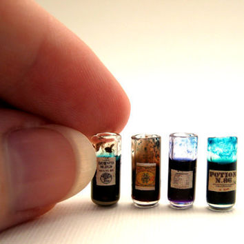 Harry Potter Potion in half inch dollhouse miniature scale: Potion A