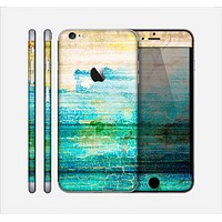 The Faded and Cracked Green Paint Skin for the Apple iPhone 6 Plus