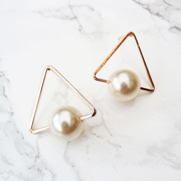 Total Triangle Earrings