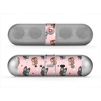 The Subtle Pink and Blue Vector Love Owls Skin for the Beats by Dre Pill Bluetooth Speaker