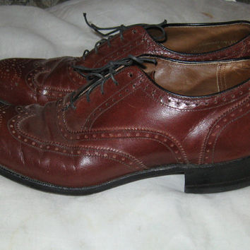 1970s brown leather wingtips shoes by HANOVER SZ 8 1/2