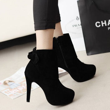 Women Classical Shoe On Sale = 4538039364