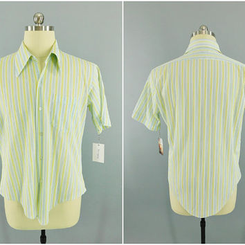 1960s Vintage / Sir Walter / Short Sleeve Dress Shirt / Yellow Stripe / Casual Shirt / Nylon / Beach Boys / Preppy / Lounge / XL / Form Fit