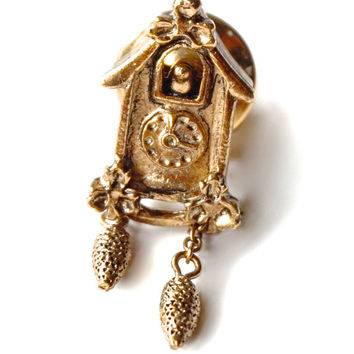 Cuckoo Clock Tie Pin, AVON Tie Tack, Vintage Tie Pin, Gold Tone Tie Tack, Bird Jewelry,Small Goldtone Lapel Pin,Avon Jewelry,Vintage Jewelry