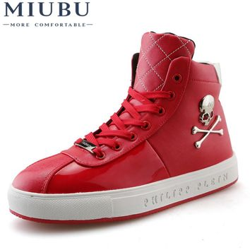 Men High Top Casual Shoes Skull Men Leather Breathable Autumn Men Sneakers Red Black & White