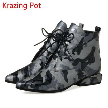 2018 New Arrival Genuine Leather Flowers Lace Up Thick Heels Pointed Toe European Vintage Handmade Fashion Cozy Ankle Boots L5f2