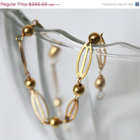 Solid 18K Yellow Gold Vintage Ovals and Spheres Bracelet