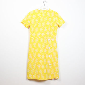 Vintage 60s dress Bright Yellow Dress Mod Dress Scooter Dress White Daisy Floral Textured Print Shift Stewardess 1960s Hippie Dress L Large