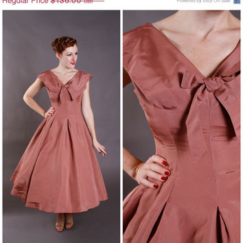 CHRISTMAS SALE - Vintage 1950s Dress - Warm Brown Party Dress with Bow - Dutch Cocoa
