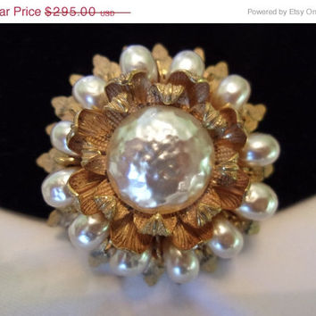 ON SALE MIRIAM Haskell Vintage Brooch Pin 1950s Pearl Flower Gold Plate Glass