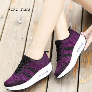 Women's Breathable Mesh Thick Soled Tennis Shoes