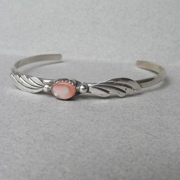 Delicate Vintage Navajo Native American Sterling Silver FEATHER & Pink Mother-of-Pearl Cuff Bracelet