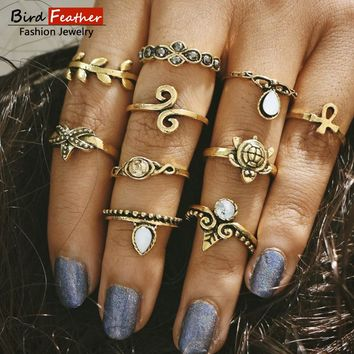 Fashion Crown Ring Vintage Yellow color wedding Rings For Women Punk Bohemian Silver color Ring set 2017 Antique ladies Jewelry