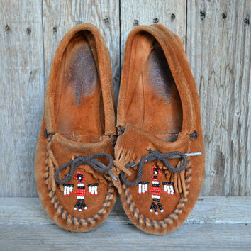 Vintage Fringe Brown Suede Leather Beaded Minnetonka Moccasins Loafers, 6.5