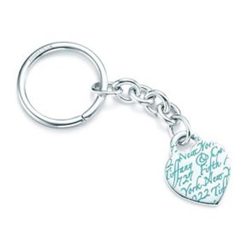"""Tiffany & Co. -  Tiffany Notes """"727 Fifth Avenue"""" key ring in sterling silver with enamel finish."""