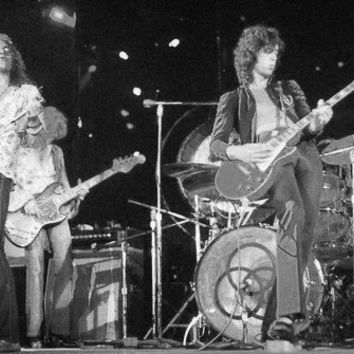 "Led Zeppelin Poster Black and White Mini Poster 11""x17"""
