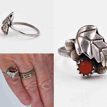 Vintage Navajo Sterling Silver & Red Coral Ring, Leaf and Berry, Sawtooth Bezel, 3D, Bead, Size 5, Native American, So Pretty! #c411