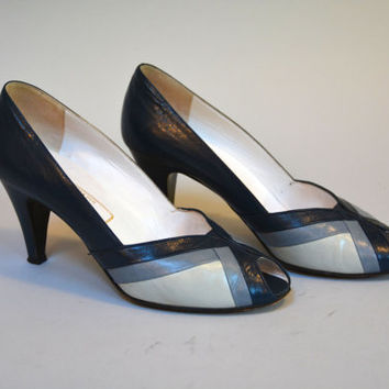 Vintage 80s Blue Leather Color Block Peep Toe Pumps Leather Sole Shoes Size 38 Made in Italy