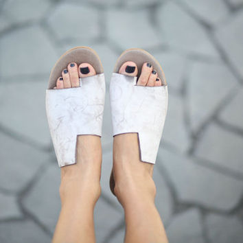 CIJ 20% Sale, Simone Sandals, Scuffed White Sandals, Leather Sandal, Flat Summer Shoes, Asymmetric Shoes, Toe Ring Sandals, Handmade Sandals