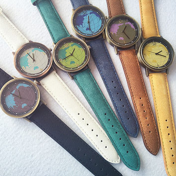 PU Leather Belt Round Dial Quartz Watch with World Map Print