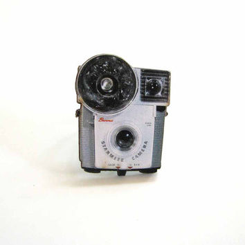 Brownie Starmite camera ring - vintage photography novelty jewelry