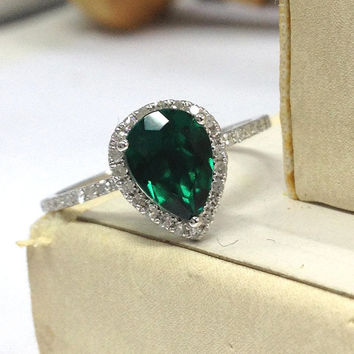 Emerald Engagement Ring 14K White Gold!Diamond Wedding Bridal Ring,6x8mm Pear Cut Treated Green Emerald,Halo,Can make Matching Band,Fashion