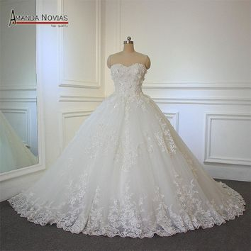 matrimonio Off the Shoulder Lace Appliqued Flowers Ball Gown Strapless Wedding Dress