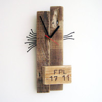 Wall Clock pallet wood rusty nails asseblage