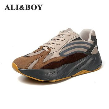 Super Popular 700v2 Men Running Shoes Breathable Men Sneakers Bounce Shoes Bounce Sports Shoes Jogging Walking Athletic Shoes