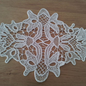 Handmade, Vintage Romanian Macramé, Crochet Point Lace Doily, Natural Cotton, Ivory Color from 1970