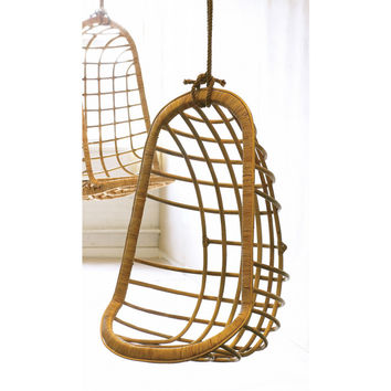 Hanging Rattan Chair design by Twos Company - Default