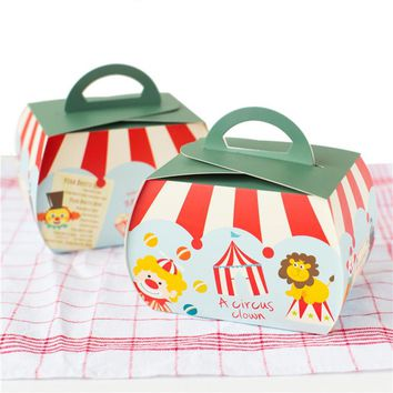 Free shipping circus troup carnival decoration hand portable cake box clown series dessert cookie packing box party candy boxes