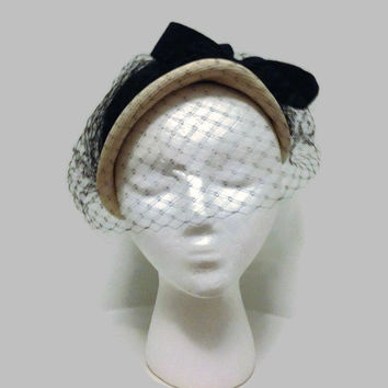 1950s Hat / Deep Purple and White Felt Close Hat, Veil Hat, Debway
