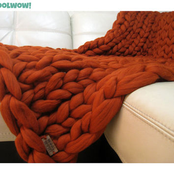 Giant Knitted Merino Wool Throw. Super Chunky Blanket. Big Yarn. Grande Punto. FASHION TREND. 19 microns merino wool by woolWow! Rust color