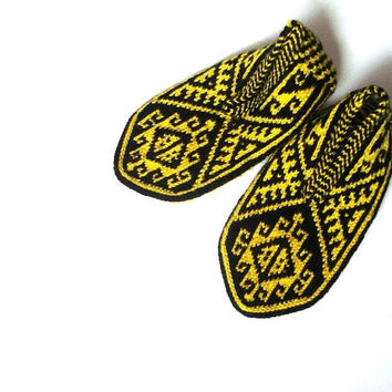 Black & Yellow Traditional Handmade Knit Turkish Socks Slippers for Men and Women, crochet slippers, knitted home shoes, knit socks booties