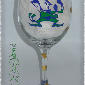 University of Notre Dame - Fighting Irish - Clashmore Mike - 20 oz Wine Glass - Sip in style!