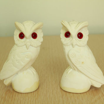 60s/70s - Mid Century - Off White - Ivory - Carved - Chalk - Stone - OWLS - Red Eyes - Figurine Set
