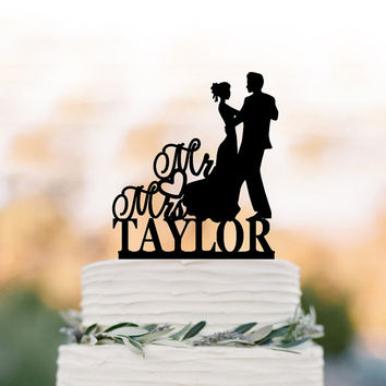 Acrylic Wedding Cake topper mr and mrs, bride and groom silhouette, personalized cake topper name, funny initial cake topper figurine