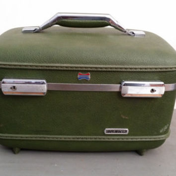 Vintage Avocado Green American Tourister Train Case Cosmetics Case Great Retro Luggage